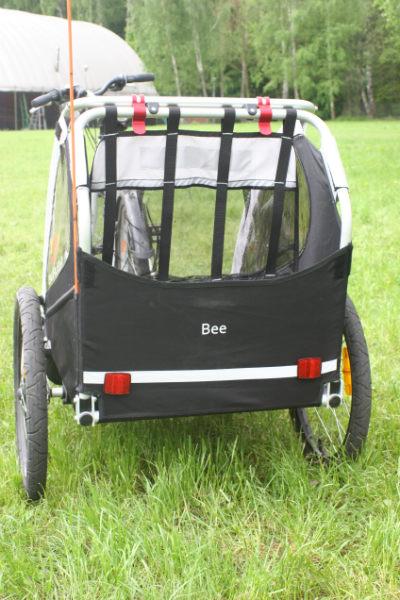 Stabilna konstrukcja przyczepki Burley Bee.